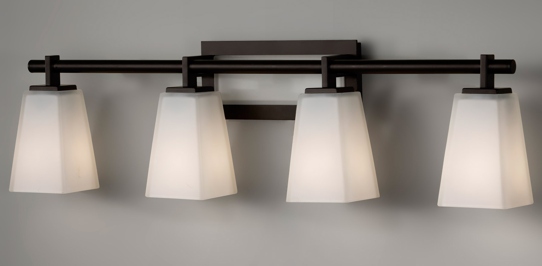 home wall lighting bathroom vanity lights murray feiss vs16604. Black Bedroom Furniture Sets. Home Design Ideas