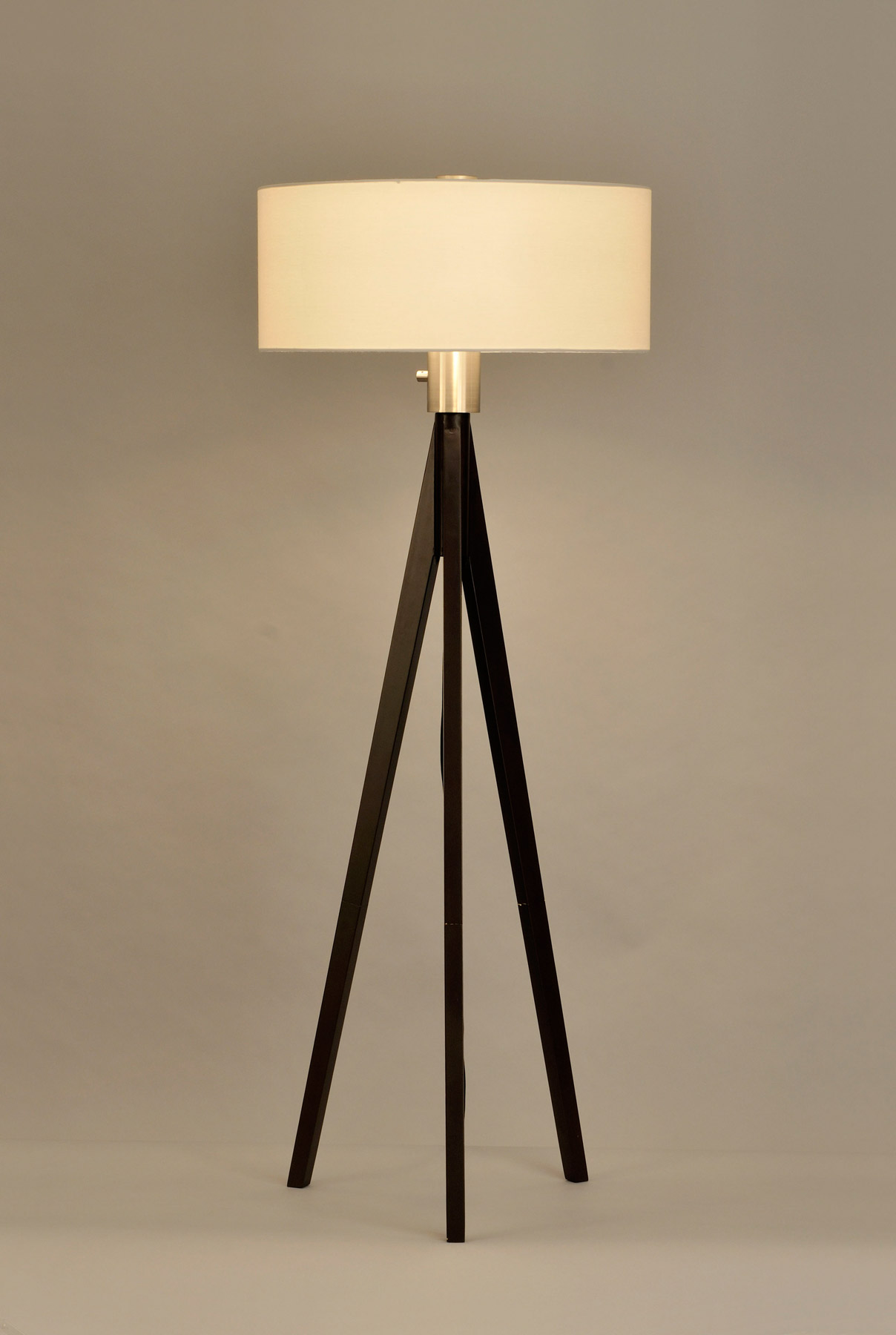 Nova Lighting 10858 Tripod Floor Lamp